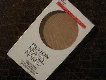 Revlon Nearly Naked Pressed Powder (No.030 Medium)