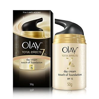 Olay Total Effects 7-in-1 Anti-Ageing Day Cream with a Touch Of Foundation SPF15, 50g