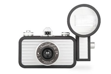 Lomography La Sardina and Flash Splendour Camera