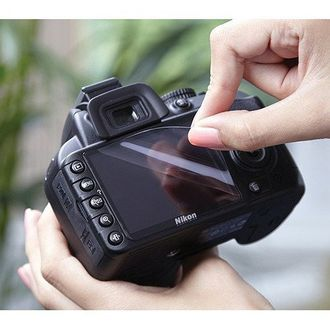 MOBSTAR Ultra Clean Screen Guard (With Wet&Dry Cleaning Paper) (For Nikon D7000)